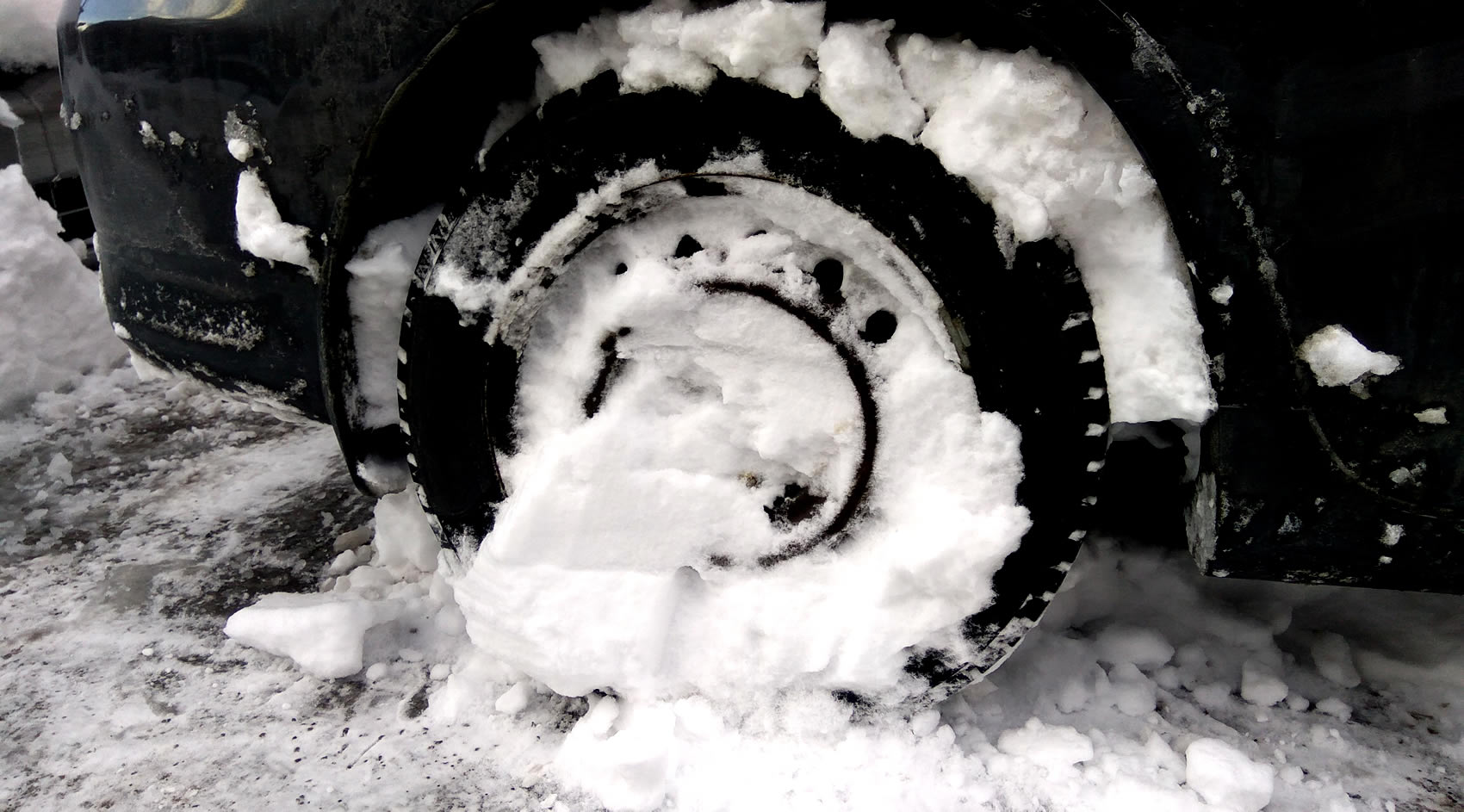 Hyundai Lease Specials >> What To Do If You Get Stuck in Snow/Ice • LeaseCosts Canada