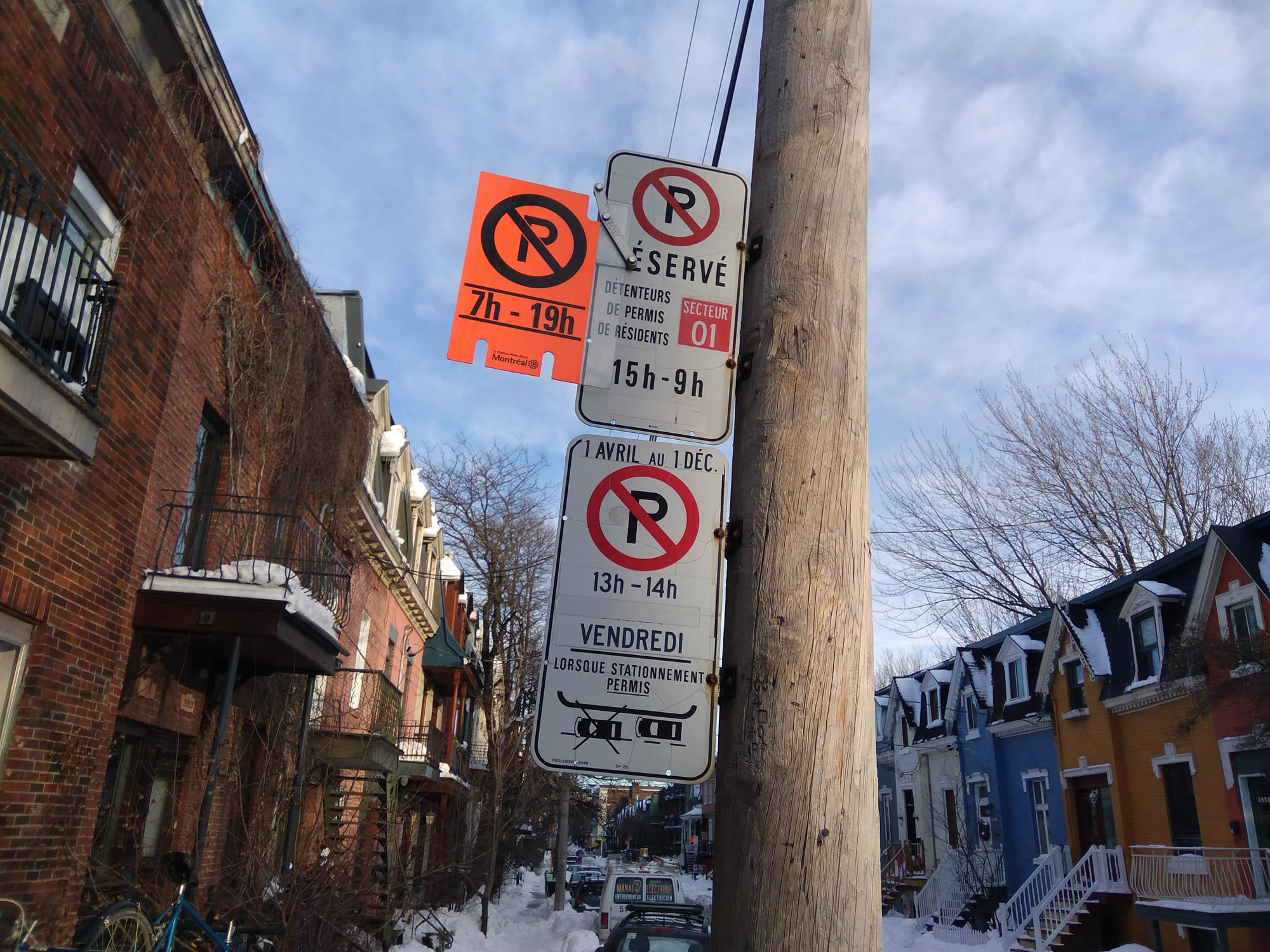 Montreal parking sign snow removal