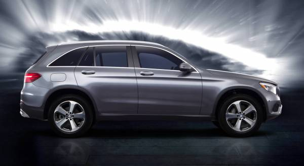 2020 Mercedes-Benz GLC in Winnipeg 2.9% Lease & 1.9% Finance APR