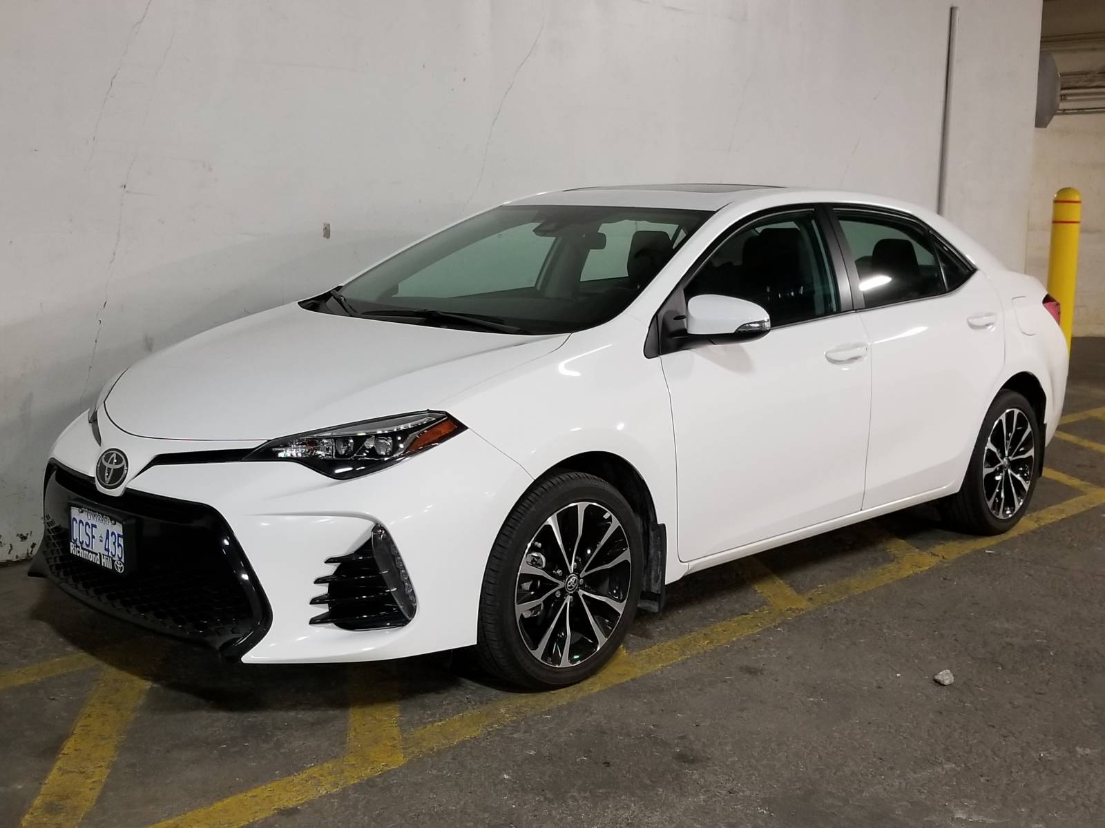 Toyota Corolla 2017 Lease >> Toyota Lease Takeover In Toronto On 2017 Toyota Corolla Se Sport Automatic 2wd Id 3518