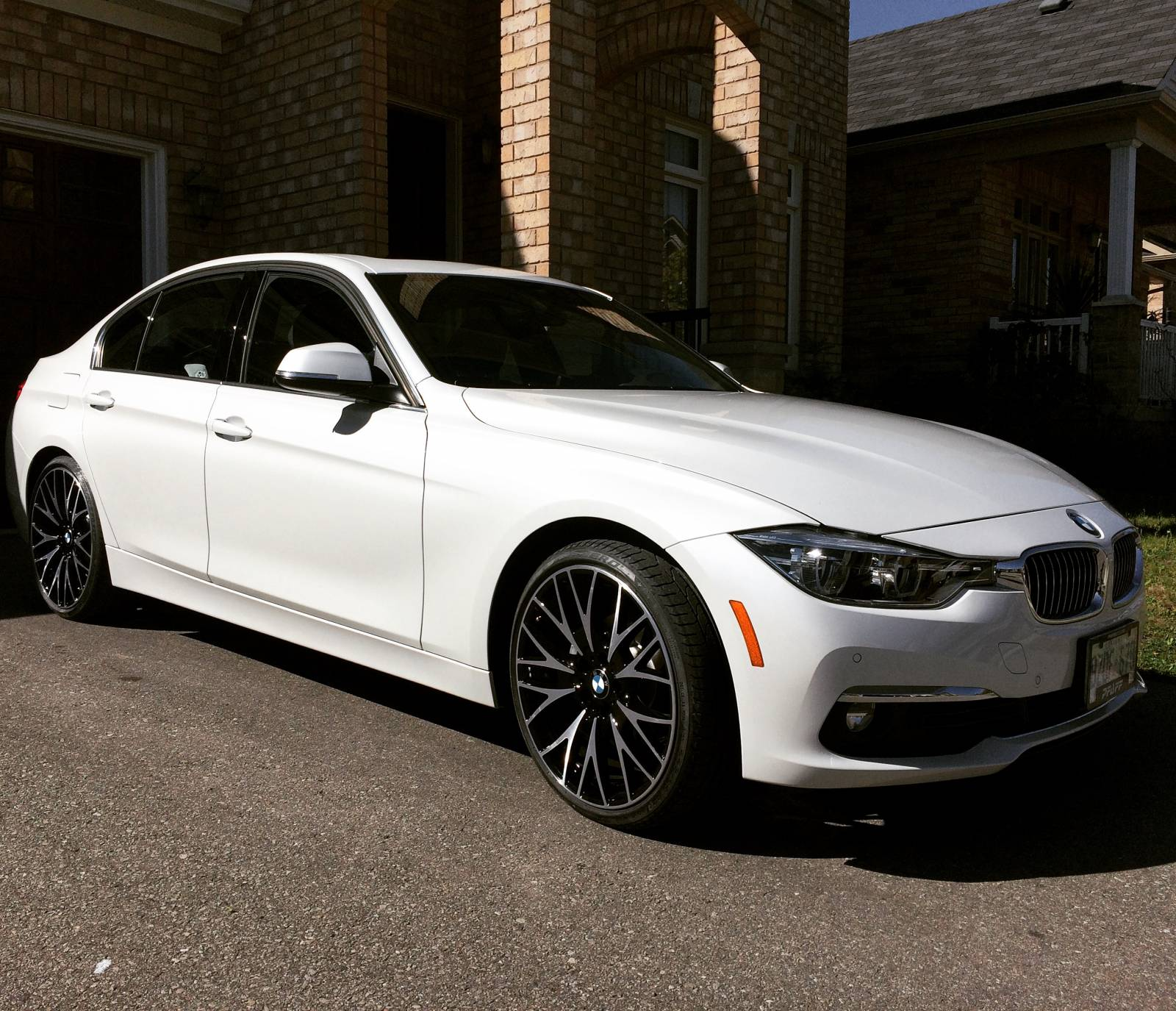 BMW Lease Takeover In Toronto, ON: 2017 BMW 330i XDrive