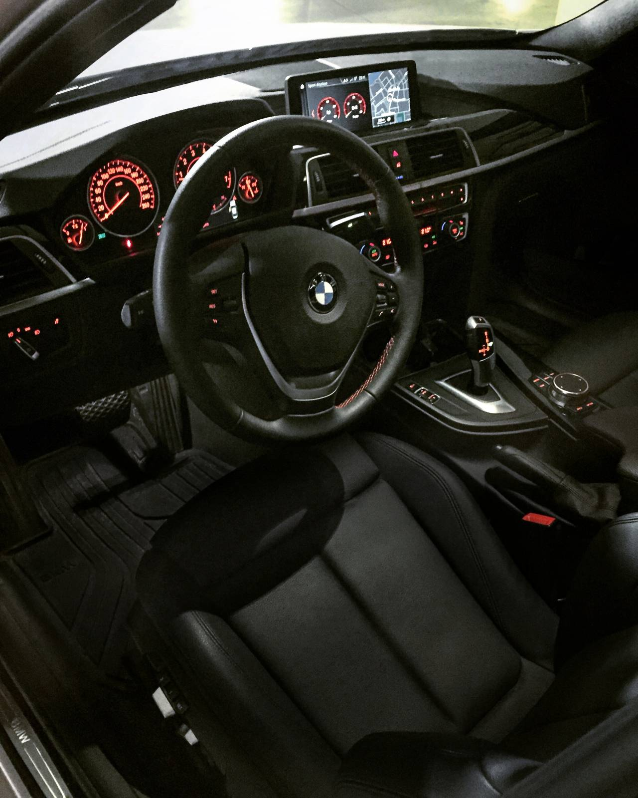 BMW Lease Takeover In Vancouver, BC: 2018 BMW 330i XDrive