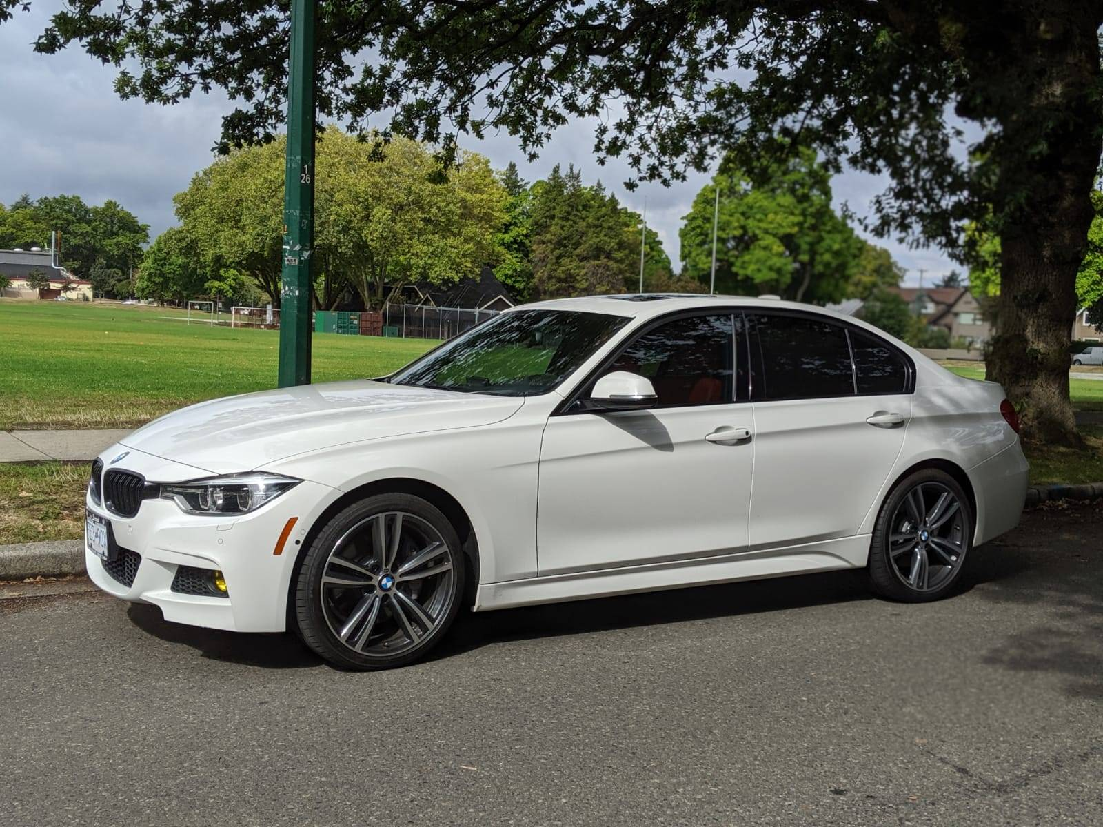 Bmw Lease Takeover In Vancouver Bc 2017 Bmw 340i Xdrive M Performance I Ii Automatic Awd Id 13869 Leasecosts Canada